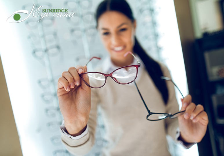 3 Reasons Why You Should Always Have a Second Pair of Eyeglasses